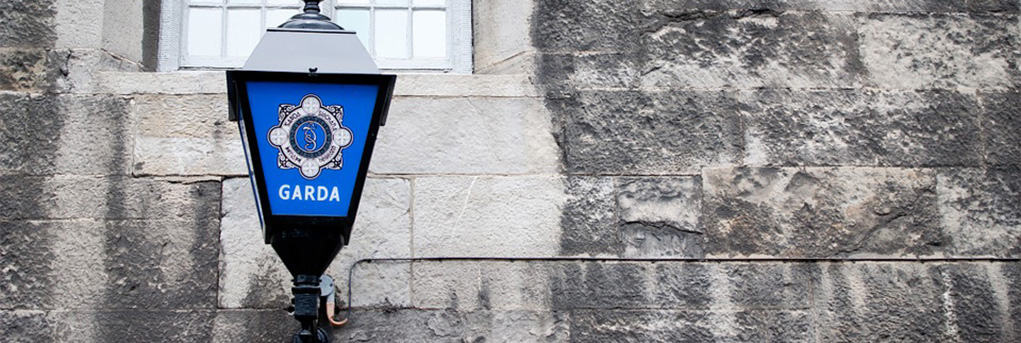 Garda Police Clearance Sign